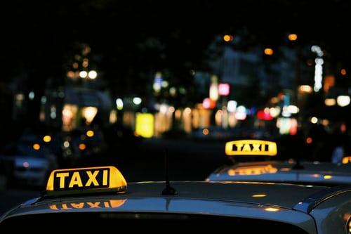 Taxi vs.Uber: Welke is voordeliger?